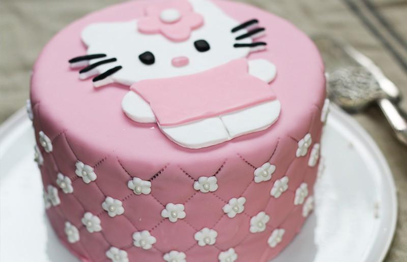 Gateau Hello Kitty Cake Design Hervecuisine Com