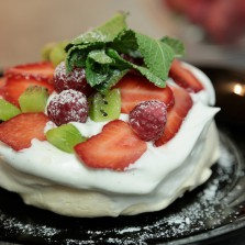 pavlova fruits rouges