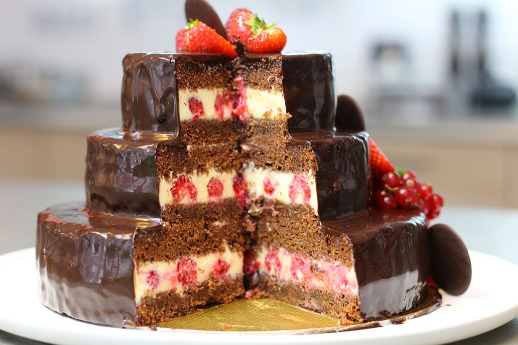 Gateau D Anniversaire Au Chocolat A Etages Hervecuisine Com