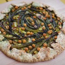 Tarte rustique aux légumes verts