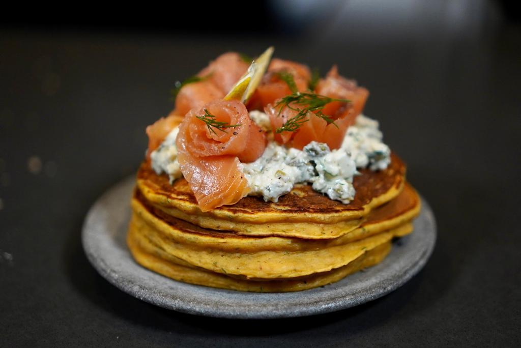 Pancakes patate douce au saumon