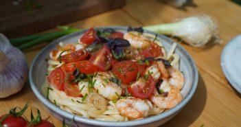 Linguine crevettes à l'ail et persil, tomates cerise « pépites »