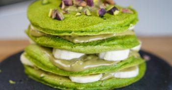 spinachio pancake (épinard pancakes avec creme pistache et éclats pistaches)